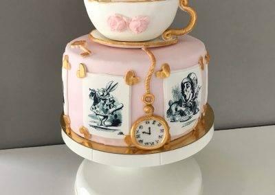 tort alicja w krainie czarów