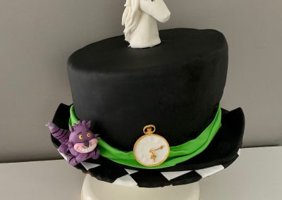 tort alicja kapelusz
