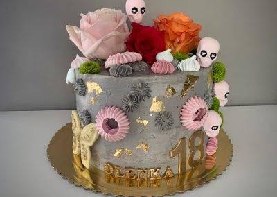 tort mcqueen rozowy