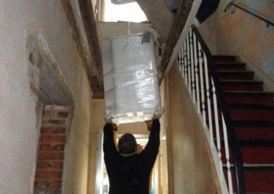 Transport der HOWI-Füllkörper im Gebäude