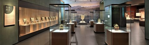 Freestanding Display Cases Highlight Personalized Historical Story