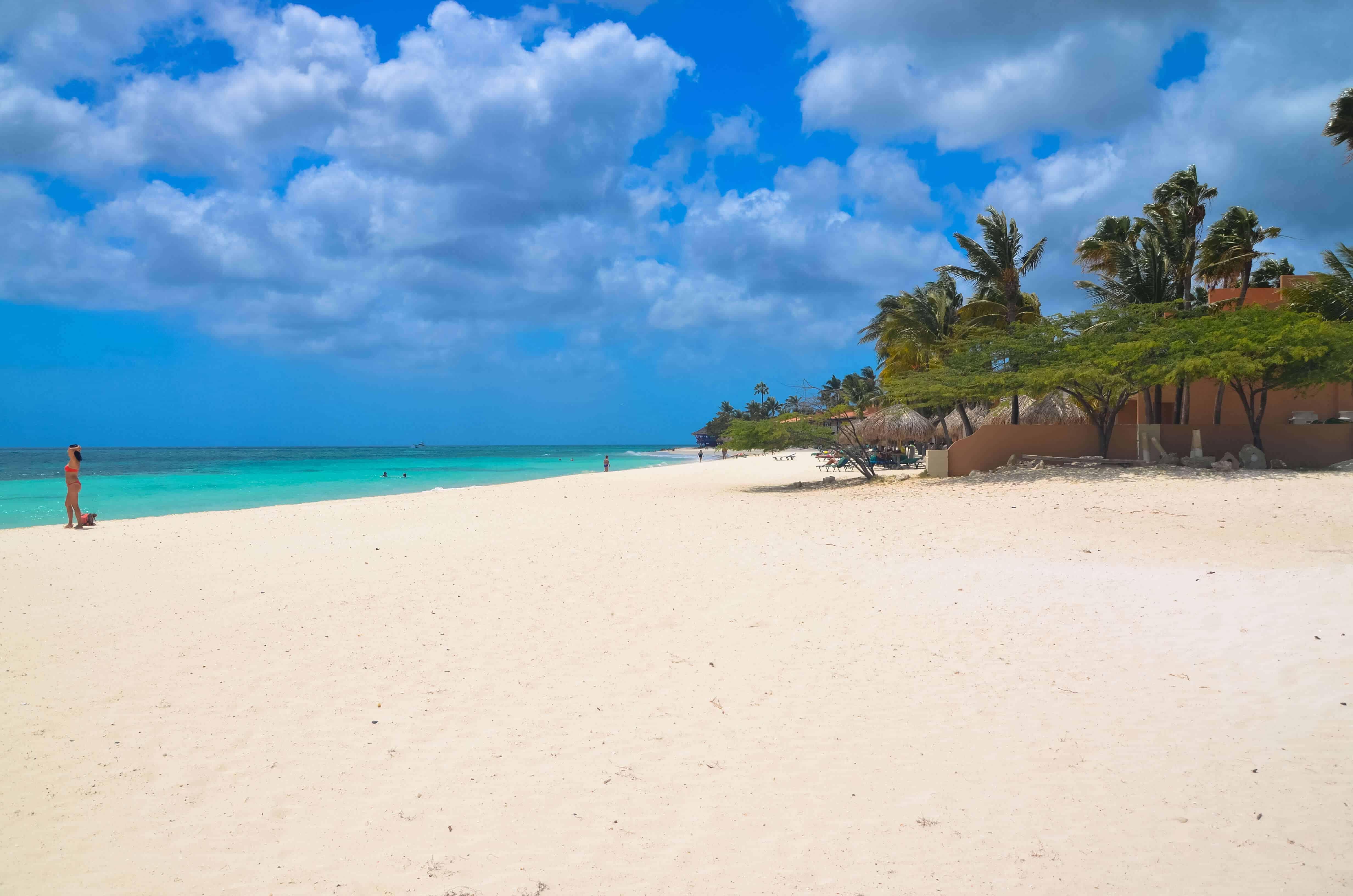 where are the beautifull beaches in Aruba ?