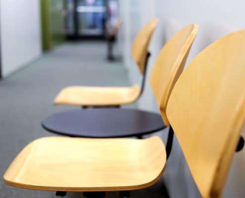 HNO-Arzt Kirchner Doberenz HNO-Praxis Wartezimmer Stühle