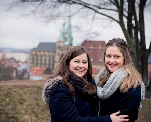 Beste Freundinnen Shooting im Hintergrund Dom & Severi