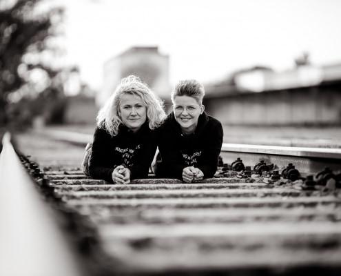 Best Friends Fotoshooting am Zughafen in Erfurt