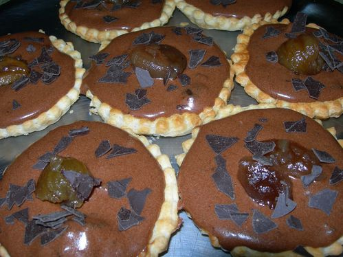 photo de Tartelette à la mousse au chocolat, marrons glacés