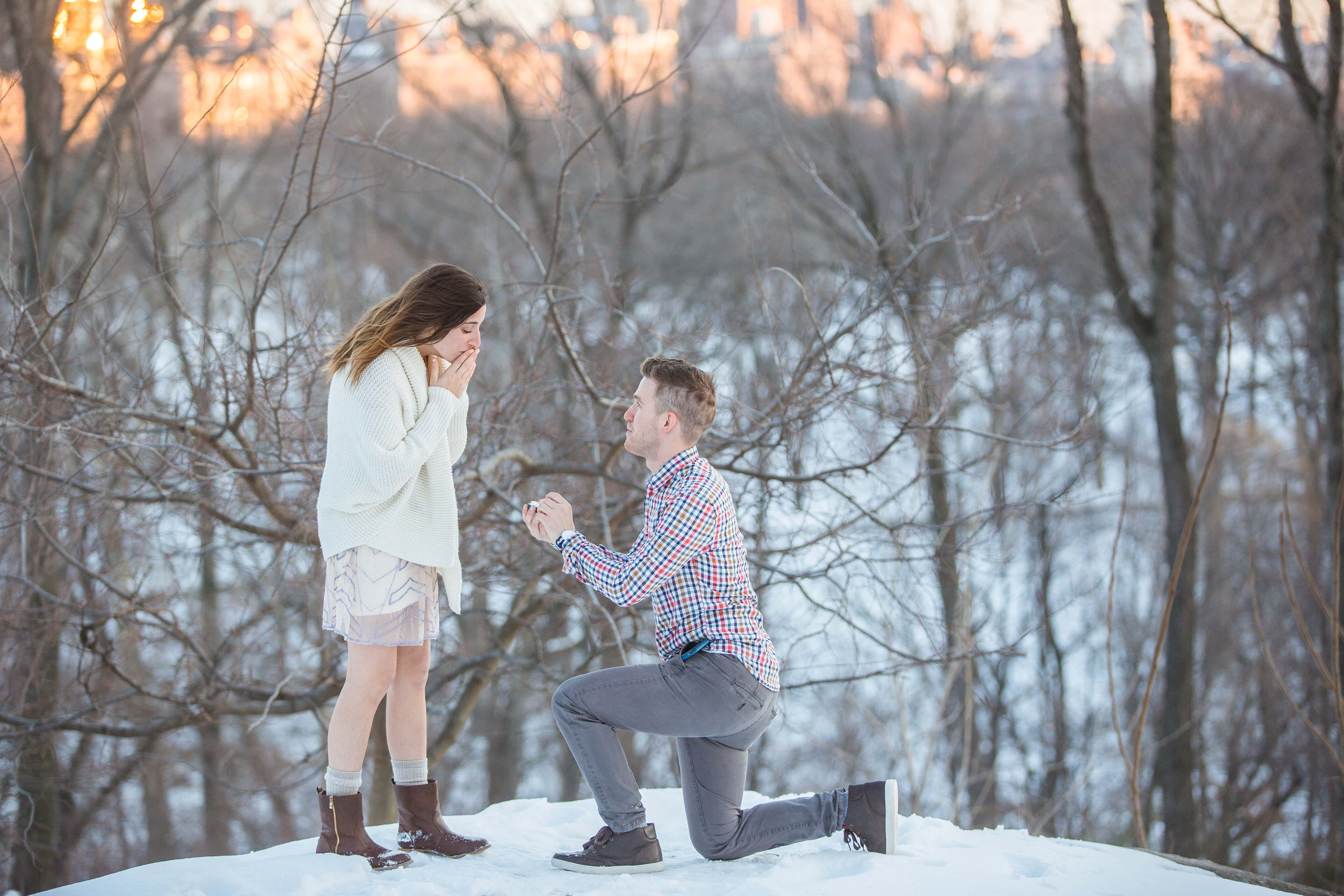 Photo Surprise Proposal in Central Park near West 100th street | VladLeto