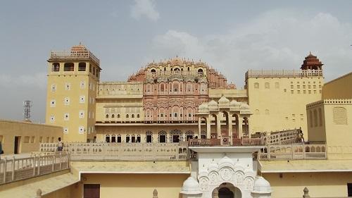 hawa mahal palace in pink city