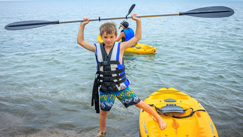 Overnight-camps-Canada-SUP-paddle-board