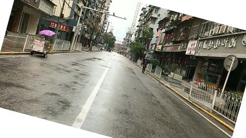 ilustrasi jalanan sepi akibat karantina wilayah