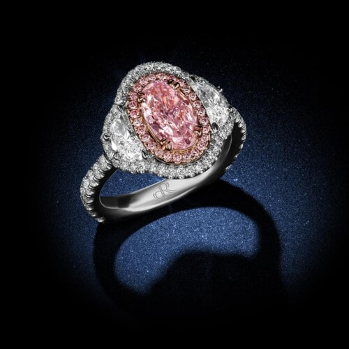 oval-shape-internally-flawless-fancy-light-pink-diamond-engagement-ring