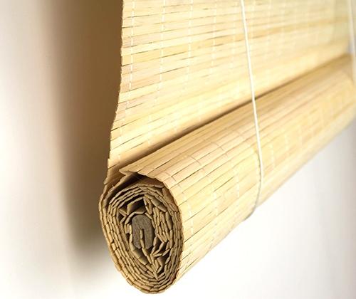 Zijkant van het bamboe rolgordijn natuur