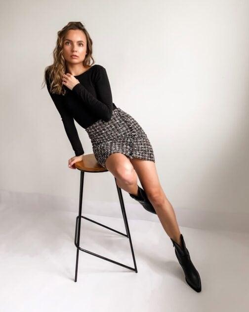 Czarna mini spódniczka damska Sparkle