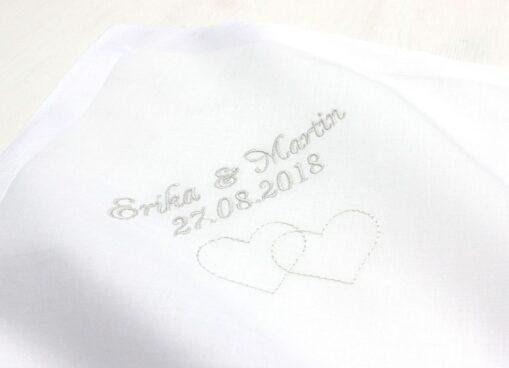 Besticktes Taschentuch zur Hochzeit für die Freudentränen des Brautpaares