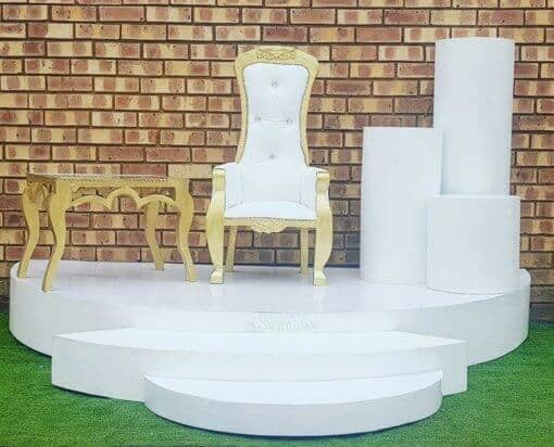 Stage combo with king and queen chair