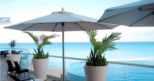 Tuuci Bay Master Max Classic Umbrella, Commercial - White