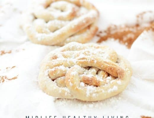 Featured image showing finished funnel cakes