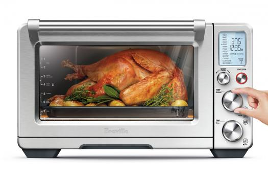 image of 14-lb turkey in the Breville Smart Oven Air countertop oven
