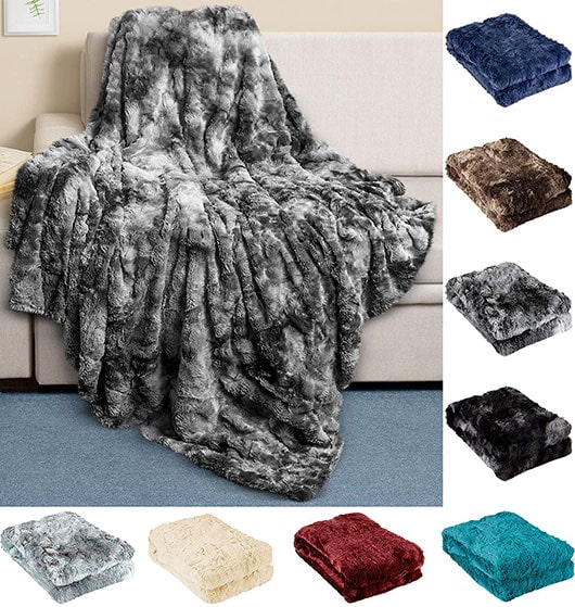 Cozy gifts - Everlasting Comfort luxury faux fur throw blanket   40plusstyle.com