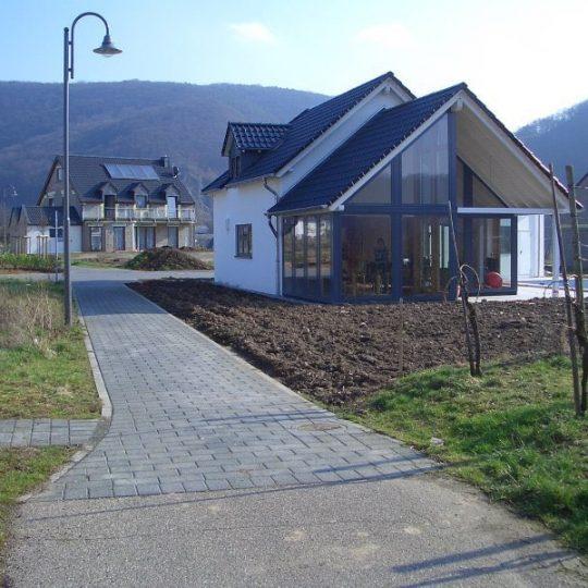 Haus mit Pool in Winningen - Außenansicht 1