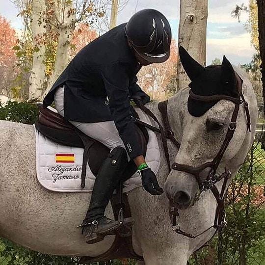 Bordado personalizado hípica manta caballo