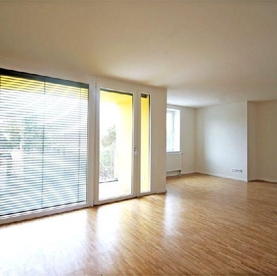 kompaktblock_wohnzimmer-mit-loggia
