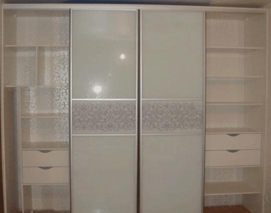 Шкаф купе встроенный от производителя матовое стекло 2