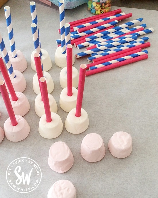 how to make the Marshmallow Chocolate Bites using paper straws
