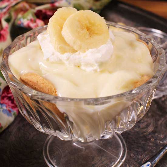 a banana cream pie in a dessert bowl.
