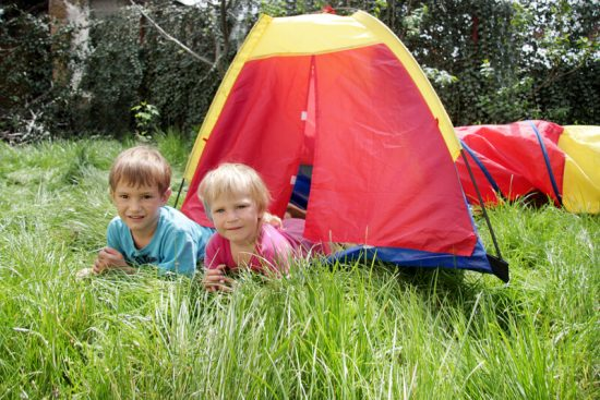 Choosing a play tent for your garden