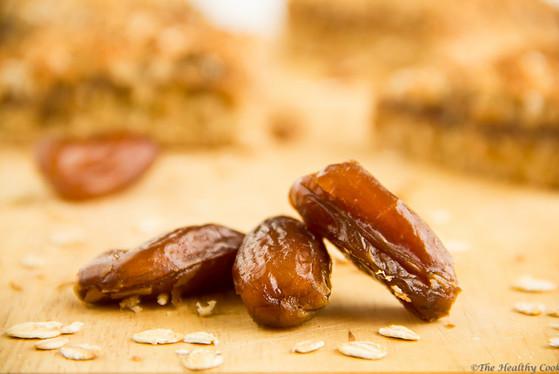 Oatmeal Date Bars – Μπάρες με Βρώμη και Χουρμάδες