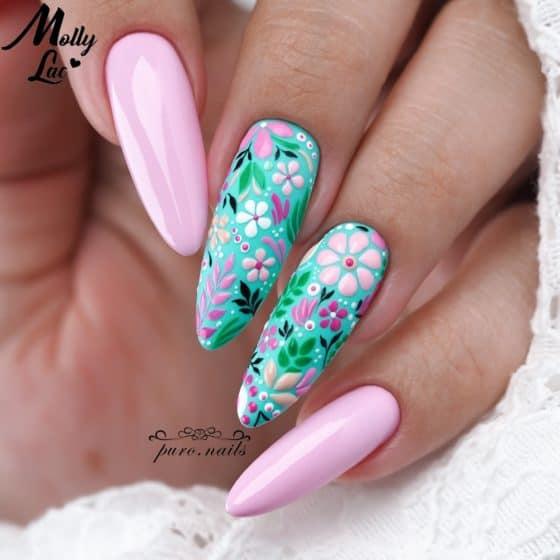 różowo zielony manicure hybrydowy z kwiatkami