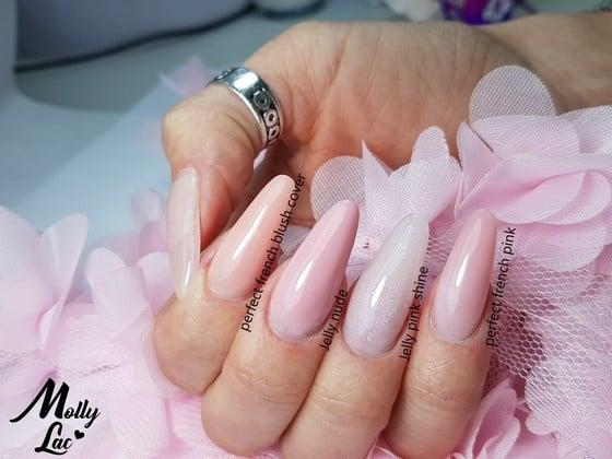 żelowe paznokcie w różowym kolorze