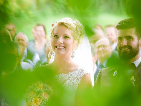 Hochzeitsfotograf Allgaeu Momente lachende Braut
