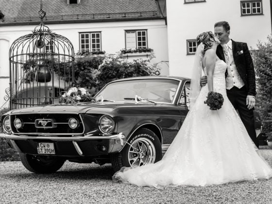 Hochzeitsfotograf Kempten Brautpaar Mustang