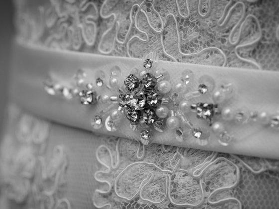 Hochzeitsfotograf Kempten Detail Brautkleid