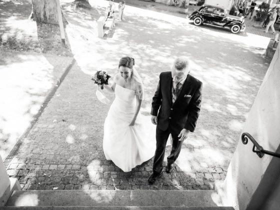 Hochzeitsfotograf Kempten Momente Einzug Kirche