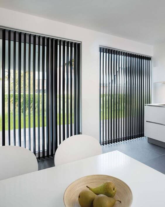 VERTICAL BLINDS IDEAS FOR PROTECTION PATIO SLIDING DOORS