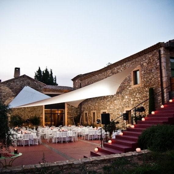 MARIAGE INTIMISTE DANS LE GARD - réception sur la terrasse