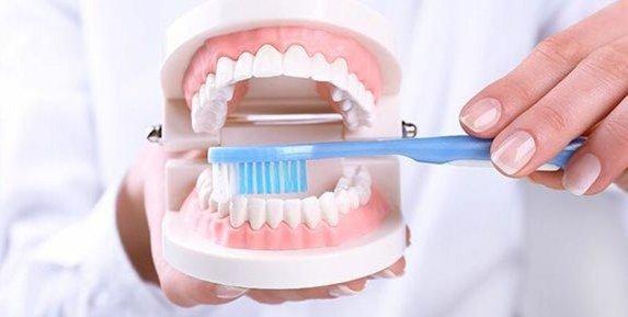 schlechte zähne durch falsches putzen