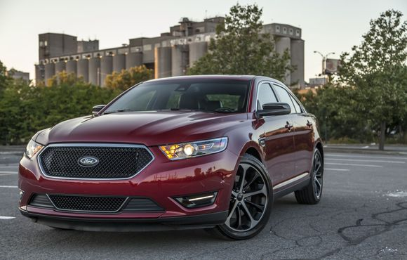2015 Ford Taurus Overview