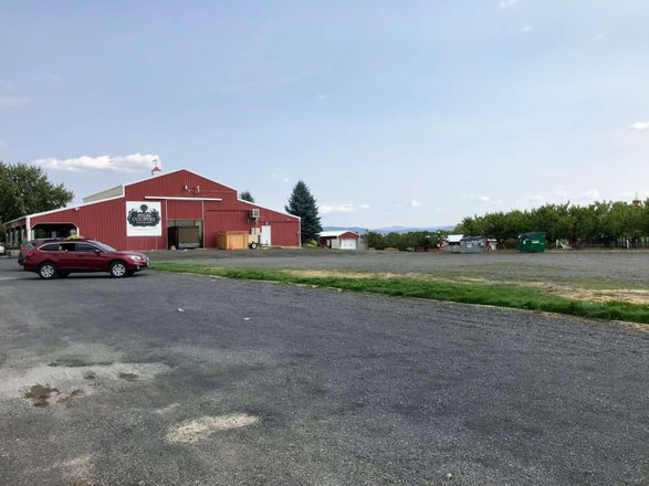 image of high country orchard parking lot