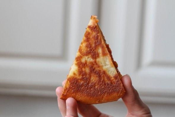 deep dish pizza crust
