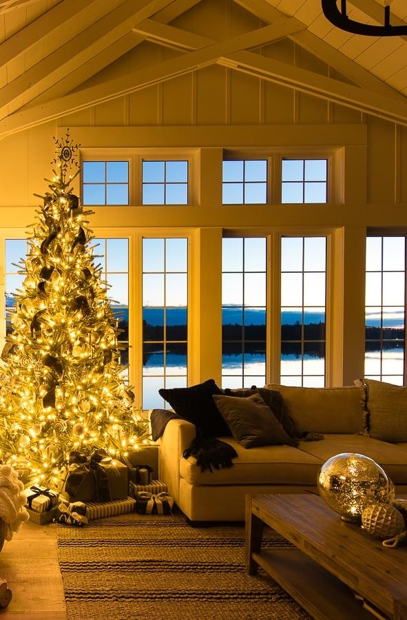 night time christmas decor