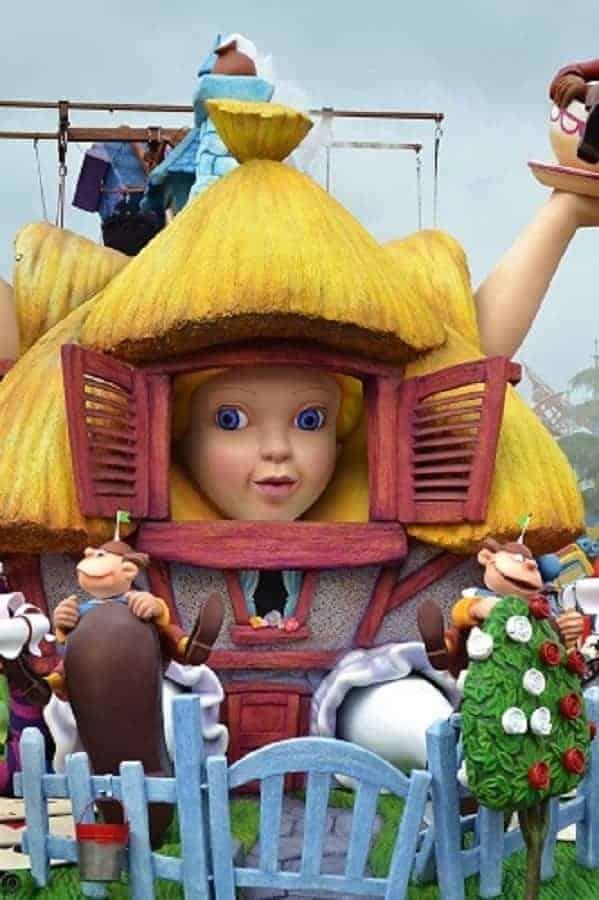 Alice in Wonderland Float in Disneyland Paris