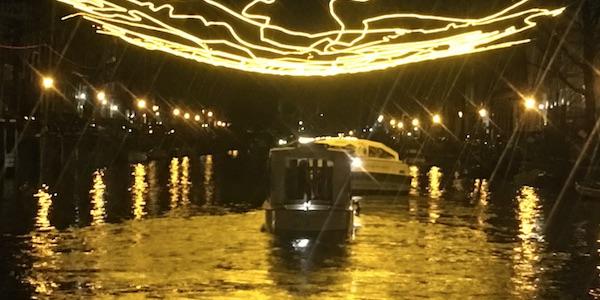 Salonboot Delphine rondvaart Kerst in Amsterdam