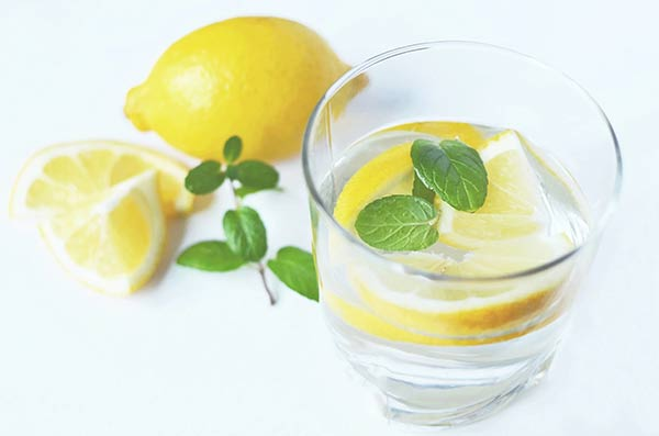 Lemon water with mint