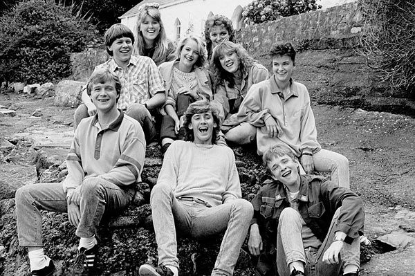 The original cast of Jabas in the 1987