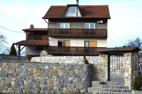 роскошный дом в Лознице