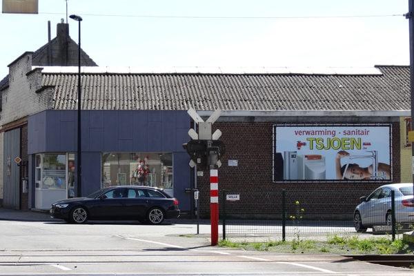 Reclamebord_spoorweg_zottegem_adverteren_wegreclame_banner_gevel_tsjoen_reclame